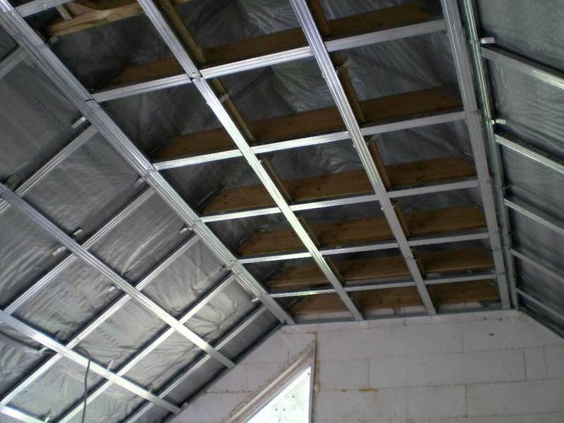 Потолки из гипсокартона своими руками на мансарде